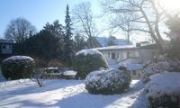 Hotelgarten im Winter