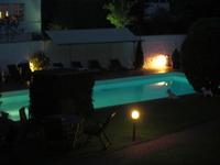 swimmingpool in the evening