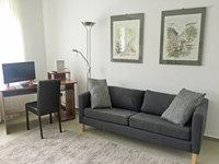 Studio-Appartement mit Wohn- und Arbeitsbereich