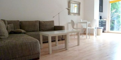 FURNISHED APARTMENT WITH PUBLIC TRANSPORTATION TICKET IN DUESSELDORF - accomodation in dusseldorf