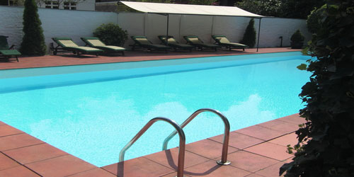 HOTEL WITH OUTDOOR SWIMMING POOL AND SAUNA IN DUSSELDORF - accomodation in dusseldorf