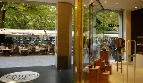 SHOPPING IN DUSSELDORF - packages