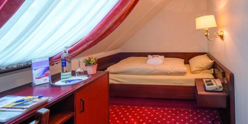 GüNSTIGE ÜBERNACHTUNG IM HOTEL IN DüSSELDORF - übernachten in düsseldorf